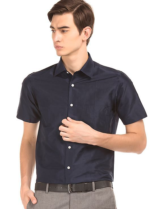 ce4c5b6ee8ad2 Buy Men Regular Fit Silk Shirt online at NNNOW.com