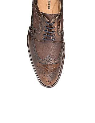 Johnston & Murphy Textured Leather Wingtip Brogues