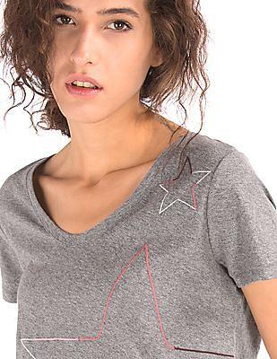GAP Women Grey Star Outline Scoop Neck Tee