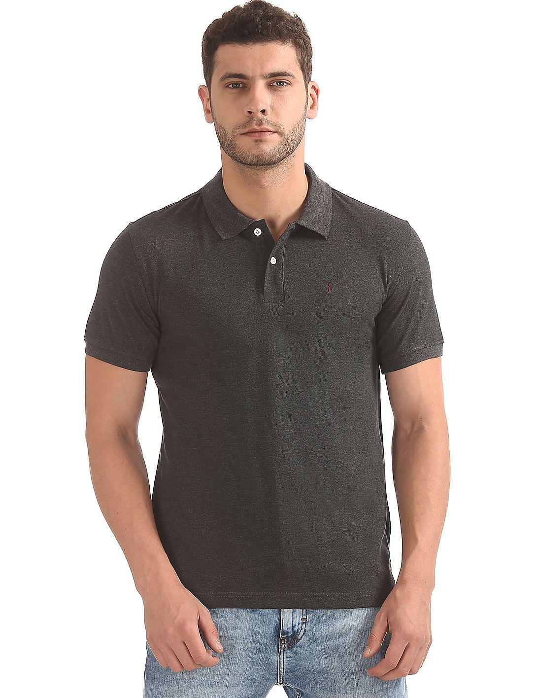 ce2ba23d5 Buy Men Solid Regular Fit Polo Shirt online at NNNOW.com